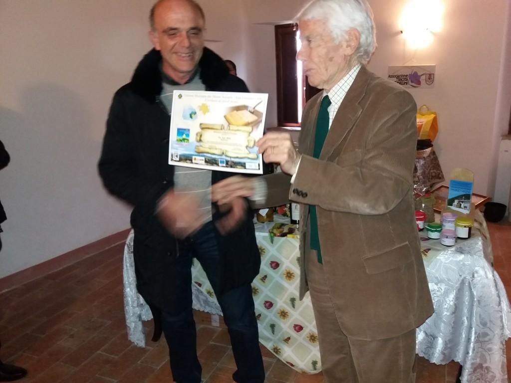 Bigazzi consegna premio per Biodiversità
